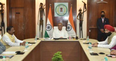 राजीव गांधी किसान न्याय योजना के तहत संयुक्त खातेदार कृषकों को पंजीयन के लिए अब शपथ-पत्र नहीं सिर्फ देना होगा स्व-घोषणा पत्र