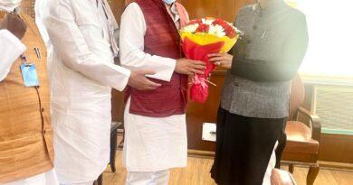 रायपुर  छत्तीसगढ़ के मुख्यमंत्री श्री भूपेश बघेल ने आज नई दिल्ली में केंद्रीय खाद्य एवं उपभोक्ता मामलों के मंत्री श्री पीयूष गोएल से सोजन्य मुलाक़ात की…
