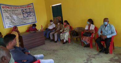 वैक्सीनेशन पर जागरूकता को लेकर ग्राम सभा का हुआ आयोजन ग्राम सभा में लोगों ने वैक्सीनेशन के बारे में दिखाई रुचि