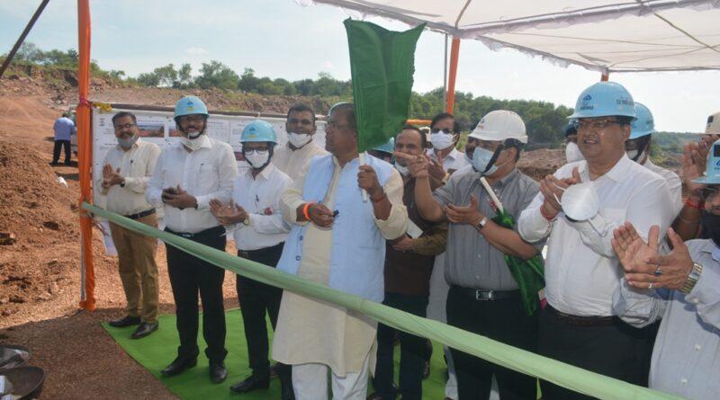 केन्द्रीय इस्पात एवं ग्रामीण विकास राज्य मंत्री ने नंदिनी माइन्स का किया अवलोकन